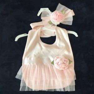 Newborn Bib and matching bow girl